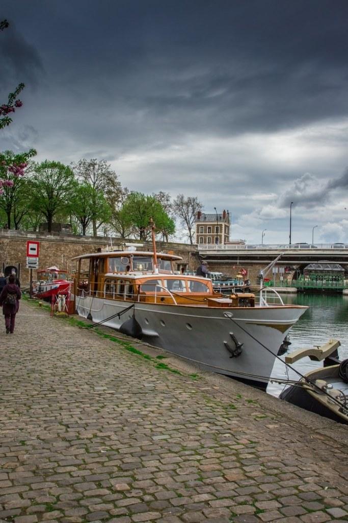 Lourymage - Paris Bateau à quai